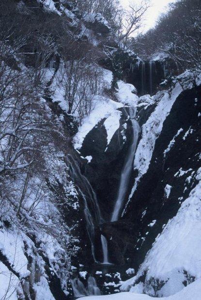 地球の島めぐり_韓国_鬱陵島_冬の蓬莱の滝