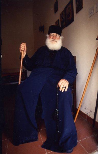 キッコウ修道院の修道士