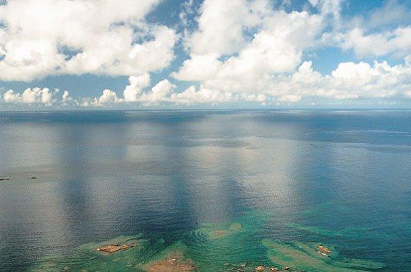 日本の島再発見_小笠原の海