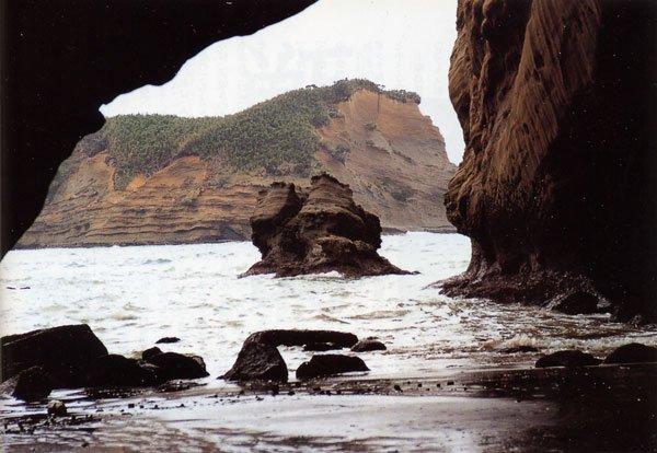 日本の島再発見_鹿児島県_種子島_千座(ちくら)の岩屋