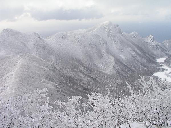 地球の島めぐり_韓国_鬱陵島_冬の聖人峰