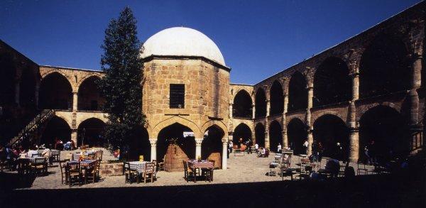北キプロス・北ニコシアの商業センターキャラバンサライ