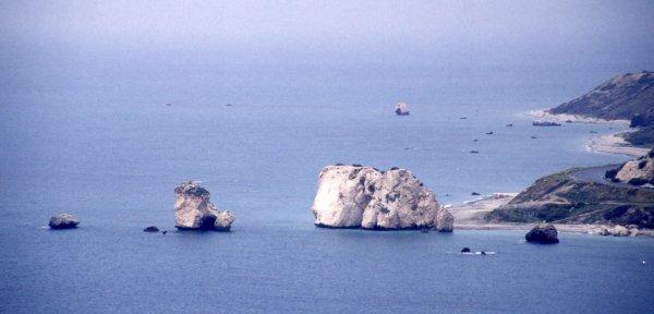 ペトロ・トゥ・ロミウはヴィーナス誕生の伝説の岩