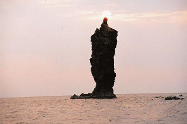 日本の島再発見_隠岐島ローソク島