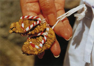 日本の島再発見_愛媛県_越智諸島_伊予大島_竹の皮で編んだわらじ