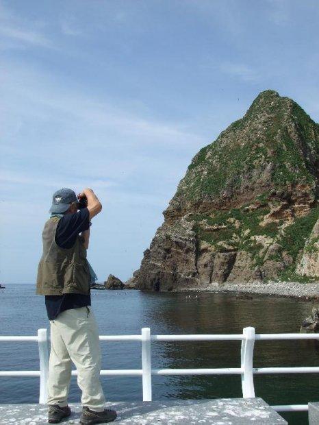 地球の島めぐり_韓国_鬱陵島_撮影する筆者