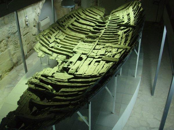 2300年前の難破船
