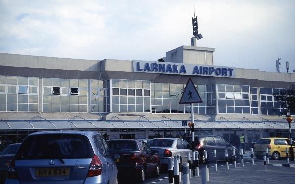 ラルナカ空港